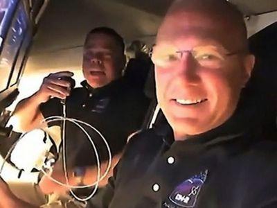 Misión espacial de SpaceX logra su objetivo sin fallos