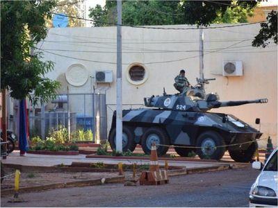 Asesinan a puñaladas a un recluso en Ciudad del Este