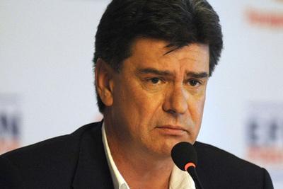Imputan a Efraín Alegre por falsificación de documentos y otros delitos