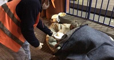 Durante madrugada fría fueron asistidas 54 personas en situación de calle