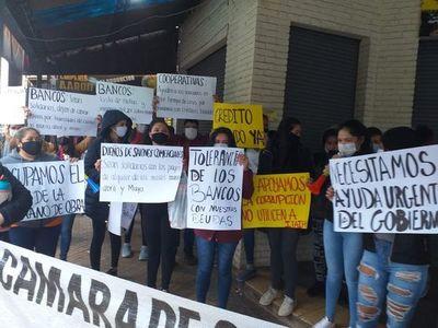 Comerciantes de San Lorenzo siguen reclamando créditos blandos
