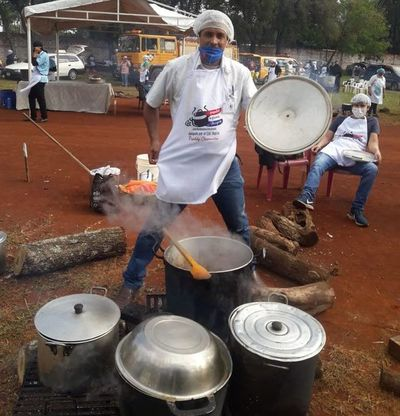 Entregan cerca de 20.000 platos de comida, mediante olla popular gigante en Hernandarias