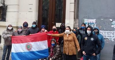 Reclaman atención para paraguayos varados en Argentina