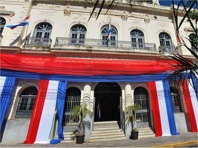Funcionarios de algunos consulados están en Paraguay y no trabajan