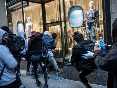 Trump recurre a militares, mientras siguen protestas y saqueos en EEUU – Prensa 5
