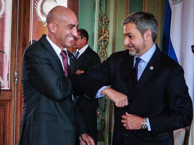 Críticas por declinación de Mario Abdo ante invitación del Senado