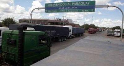 Realizan pruebas de COVID-19 a camioneros y desinfectan vehículos en Falcón