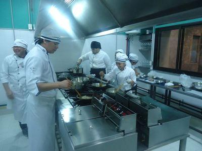 """Sector gastronómico realizará un bocinazo nacional en protesta contra la """"corrupción y la impunidad"""""""