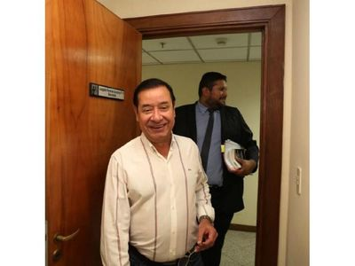 Cuevas denuncia al fiscal Piñánez y al juez López ante  JEM