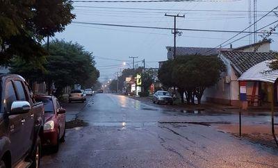Jueves frío con lluvias y tormentas, anuncia Meteorología