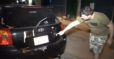 Policías dispararon a vehículo tras caer a bache, dice abogada