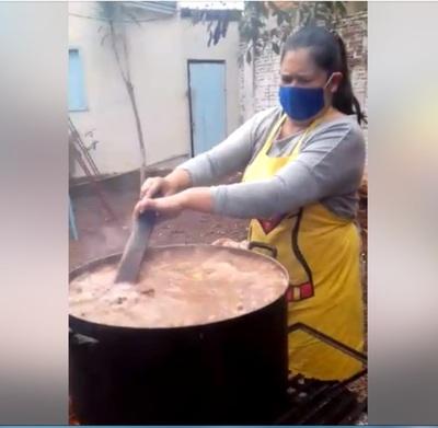 Unas 230 ollas populares alimentan a miles de familias de Pdte. Franco – Diario TNPRESS