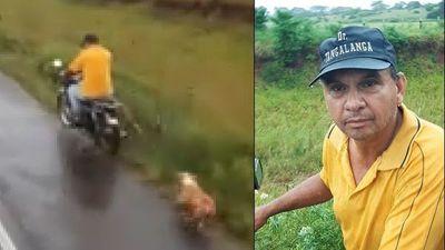 Inhumano; arrastra a su perro detrás de su moto