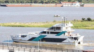 El festejado Ferry entró en servicio hace 10 días y no funciona hasta nuevo aviso