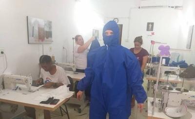 HOY / Industria textil logró la certificación para producir batas quirúrgicas