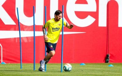 Messi se entrena al margen