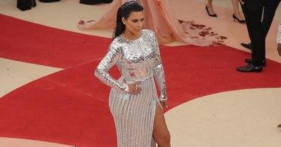 Fiscalía pide juzgar a 12 sospechosos de robo a Kim Kardashian en París