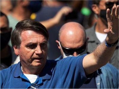 """Bolsonaro llama """"terroristas"""" a manifestantes antifascistas"""