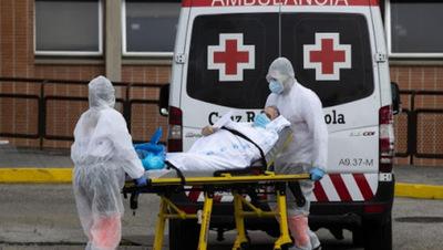 Polémica en España por desajustes en el número de víctimas del coronavirus