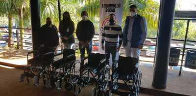 Entregan sillas de ruedas al Hospital Regional de CDE