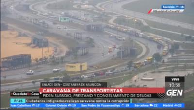 HOY / Integrantes de la Asociación de Transportistas hicieron una caravana desde San Lorenzo hasta la Costanera de Asunción