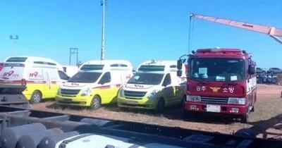 Bomberos de Corea donan carros y ambulancias a ciudades del interior