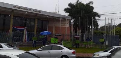Miembros de OTEP-SN reclaman kits de alimentos – Prensa 5