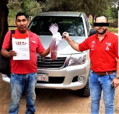 """""""Líder indígena realiza reclamos teniendo camioneta de lujo y 100 cabezas de ganado"""""""
