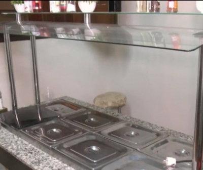 Propietaria de local gastronómico remata maquinarias