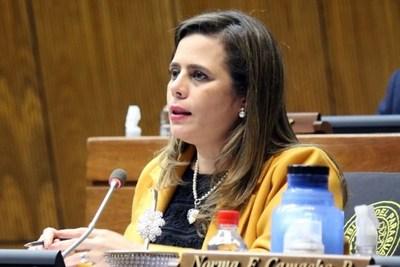 Kattya propone que Gobernadores sean nombrados por el Ejecutivo