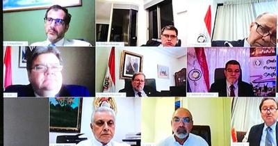 Cancillería insta a embajadores a brindar atención preferencial a connacionales