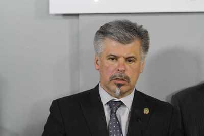 Giuzzio sugiere anular algunos procesos de compras del Ministerio de Salud