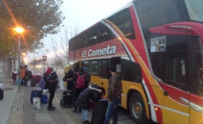 HOY / Cifra de paraguayos que regresa del extranjero llega a casi seis mil