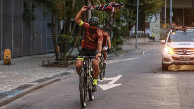 Fred recorre 600 Kilómetros en bicicleta para firmar por Fluminense