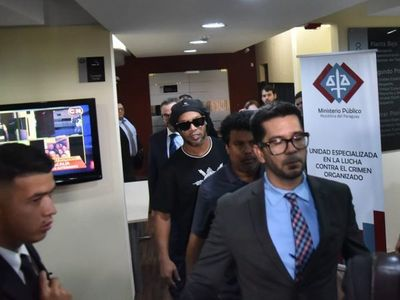 Caso Ronaldiño: Fiscales rechazan inexplicable demanda civil