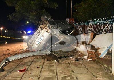 Agente policial resultó herido tras choque y vuelco en Capiatá