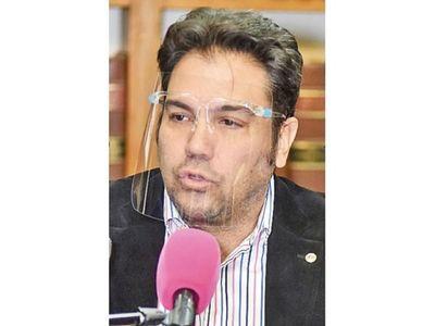 Caso Juliette: Óscar Tuma se aparta por discrepancias con el padre de la niña