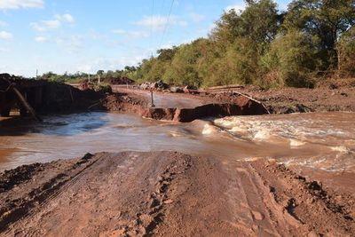 Ruta PY18, nuevamente cortada a la altura del arroyo Capiibary