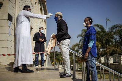Pacientes de COVID-19, única prioridad del personal sanitario en Sudáfrica
