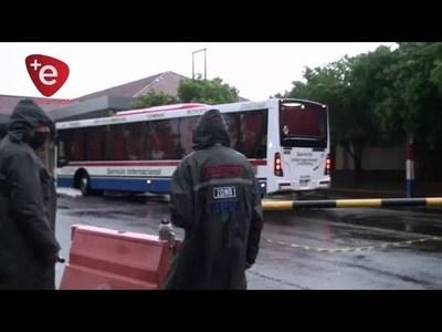 A DIARIO, INGRESAN COMPATRIOTAS POR EL PUENTE SAN ROQUE GONZÁLEZ