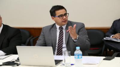 Becal emite aclaración sobre compra de notebooks y cámaras web