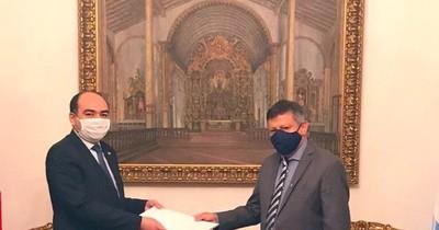Nuevo embajador argentino presentó copia de cartas credenciales