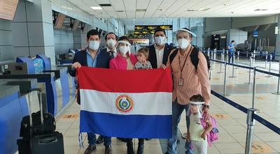 Más compatriotas siguen llegando desde el exterior