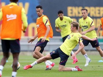 """De Jong: """"Si Messi te da un consejo, lo tienes que escuchar"""""""