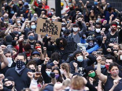 El mundo vuelve a  las calles  y se alza contra el racismo y la injusticia