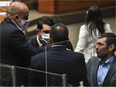 Censura a Petta, recortes y declaraciones se tratan hoy