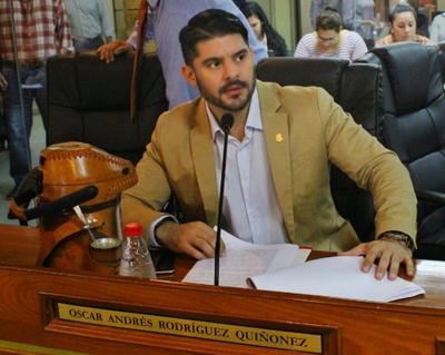 """Intendente de Asunción afirma que dos ediles ponen """"trabas"""" para continuar con refacción de la avenida Eusebio Ayala"""