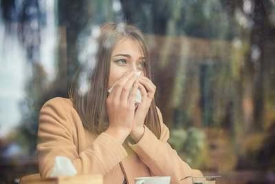 Alta humedad afecta mayormente a personas alérgicas, según especialista