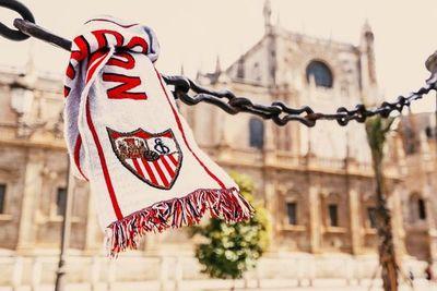 El derbi Sevilla-Betis reanuda la temporada de La Liga