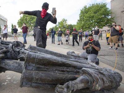 Estatuas de Colón vandalizadas en varias ciudades de EEUU